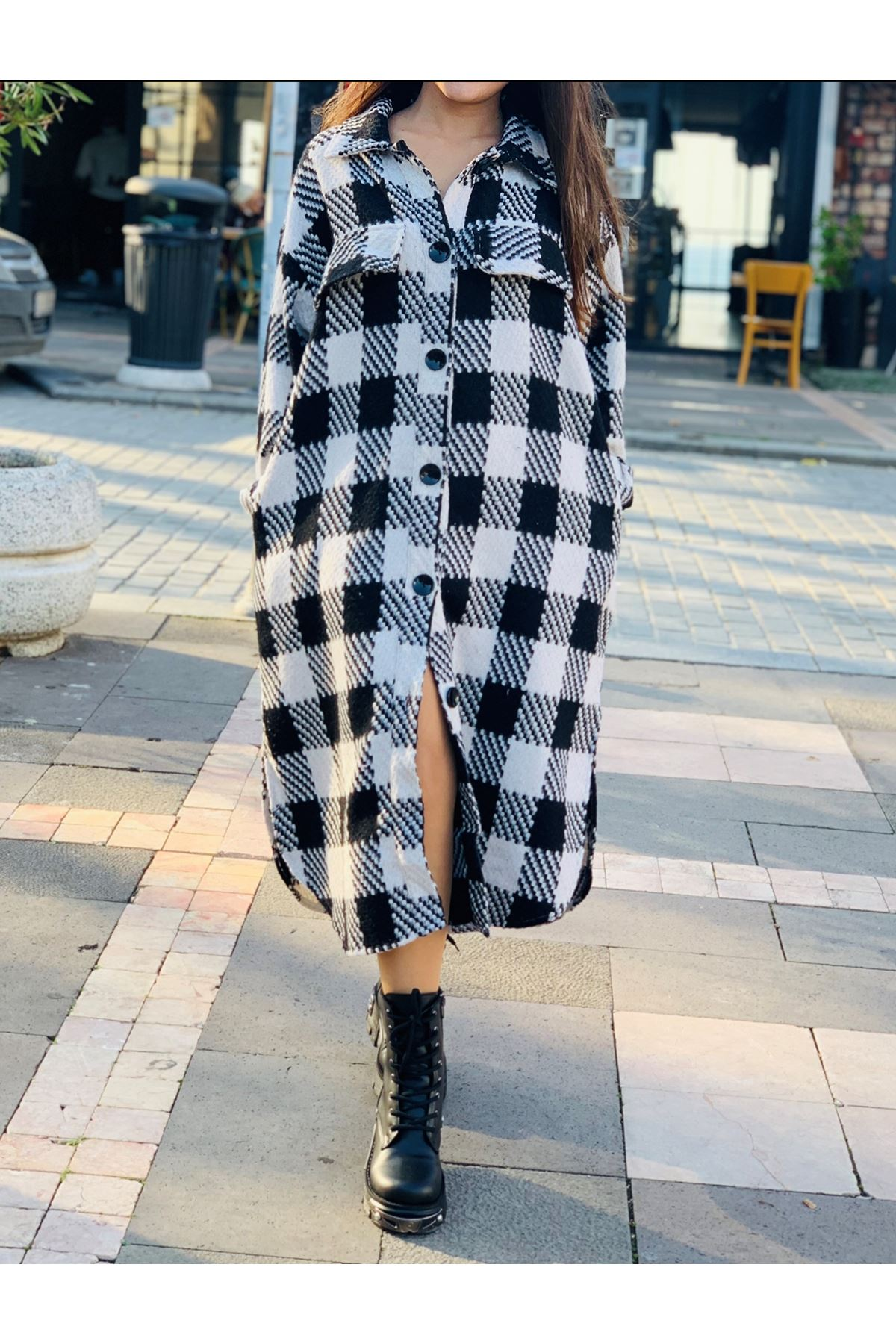 Ekose desen siyah beyaz uzun ceket