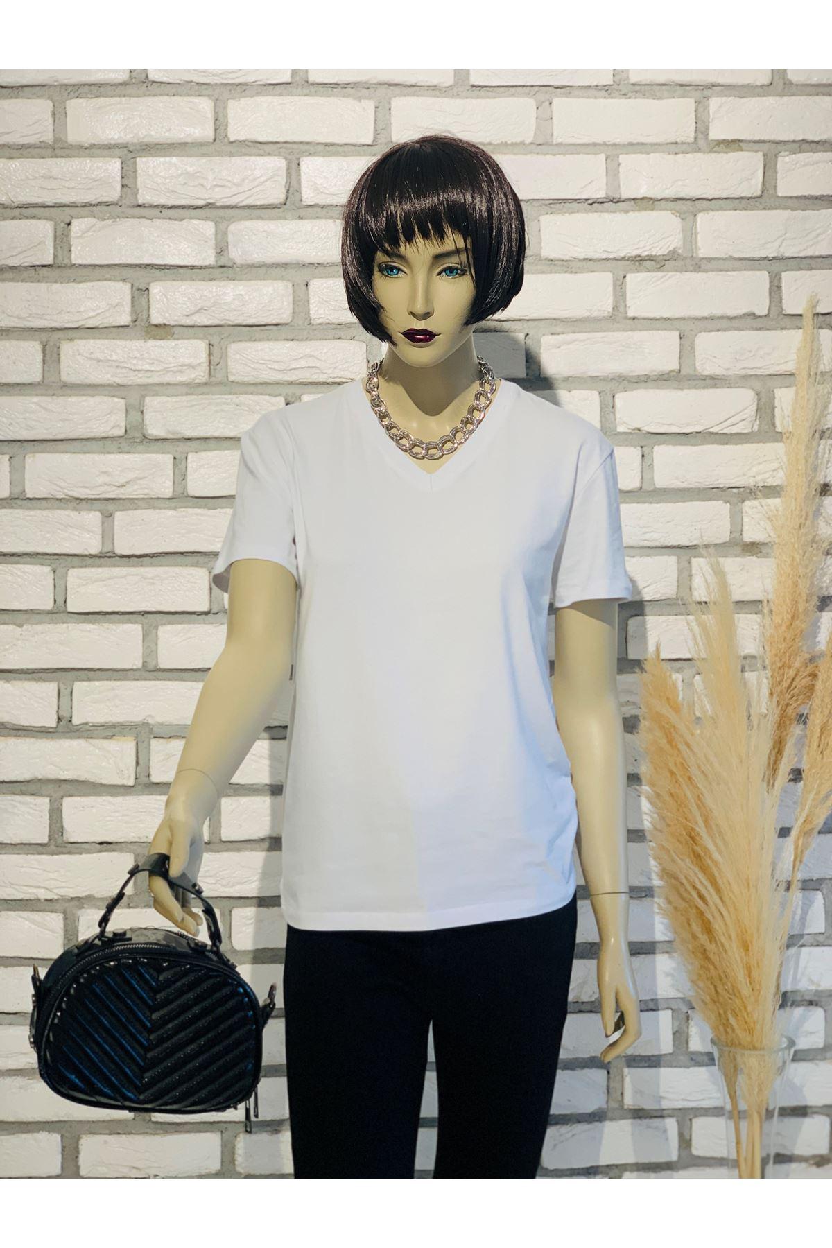 V yaka beyaz basic tshirt
