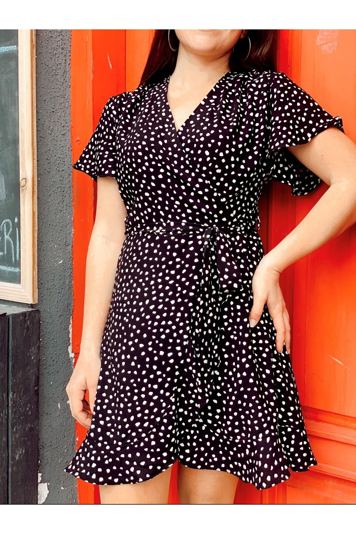 Siyah beyaz benekli içi şortlu mini elbise