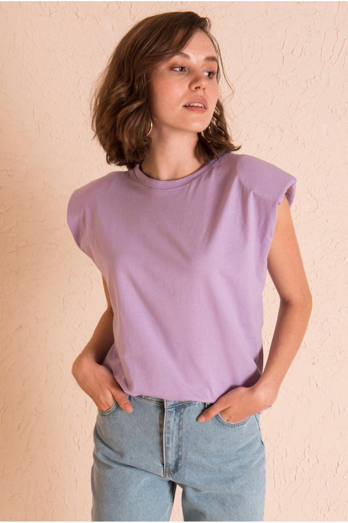 Vatka Detaylı Lila Tshirt
