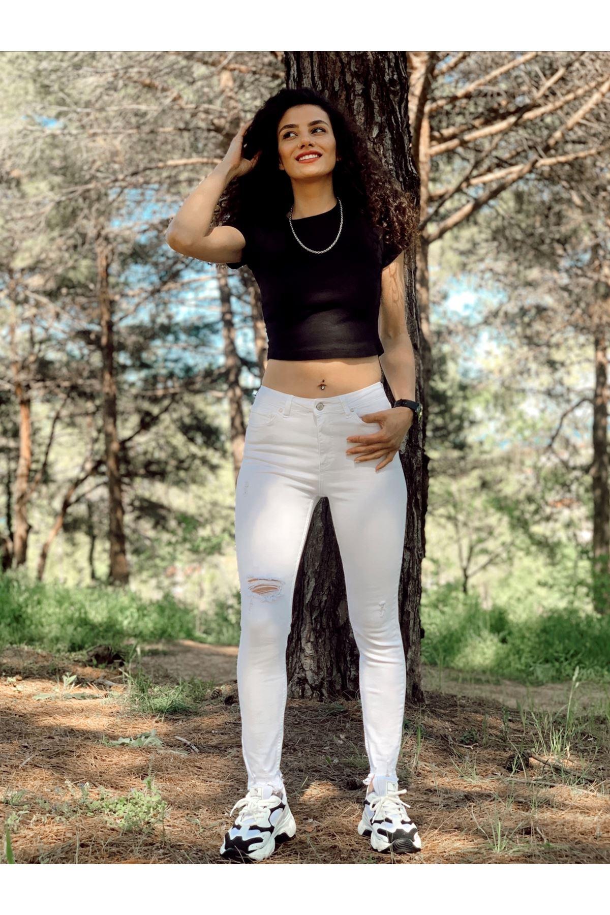 Beyaz Yırtık Detaylı Yüksel Bel  Jean