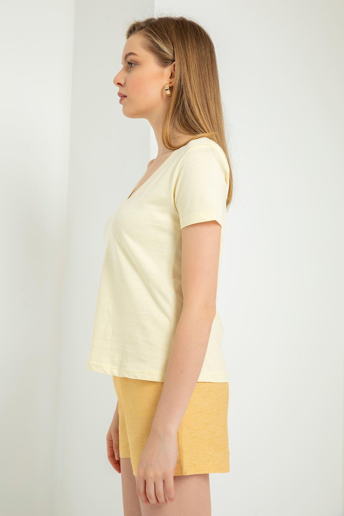 V yaka vatkalı sarı tshirt
