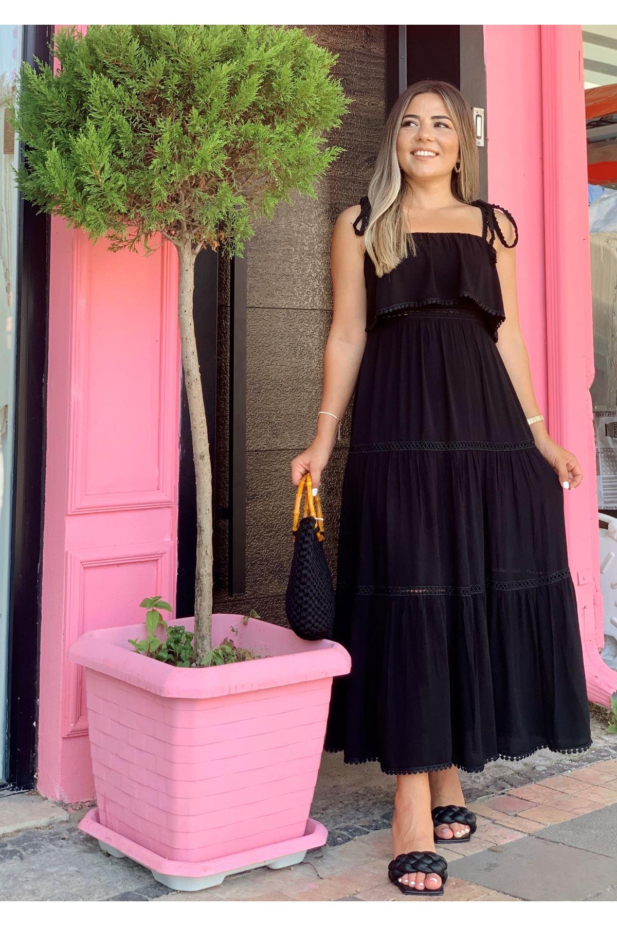 Askısı Bağlamalı Göğüs Volanlı Siyah Elbise