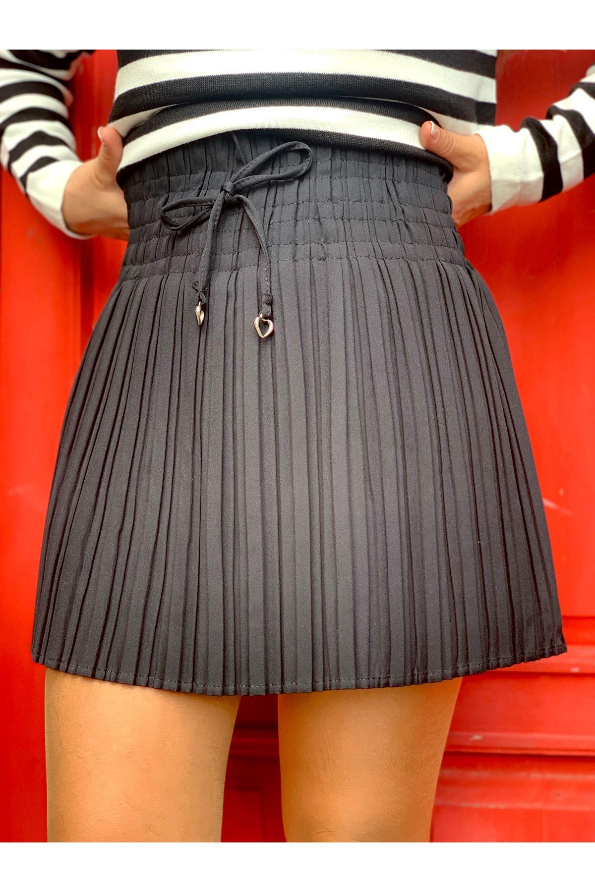 Bağcık Detaylı İçi Şortlu Siyah Mini Plise Etek
