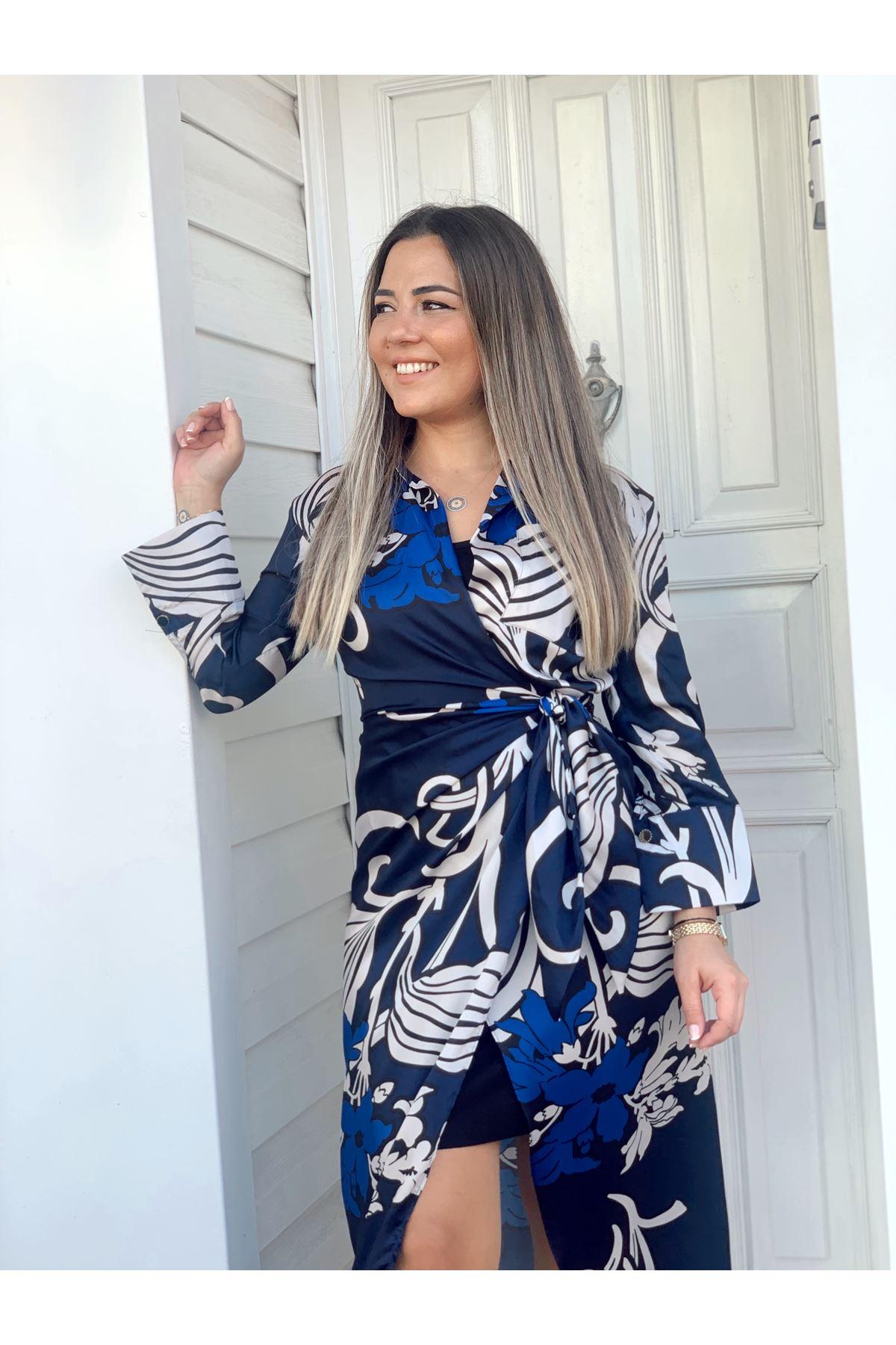 Lacivert Sax ve Beyaz Desenli Astarlı Bağlamalı Elbise